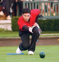 571px-lawn_bowling_-_tim_mason1